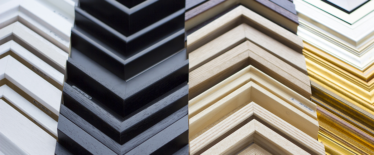 Mouldings & Finishes – Well Hung